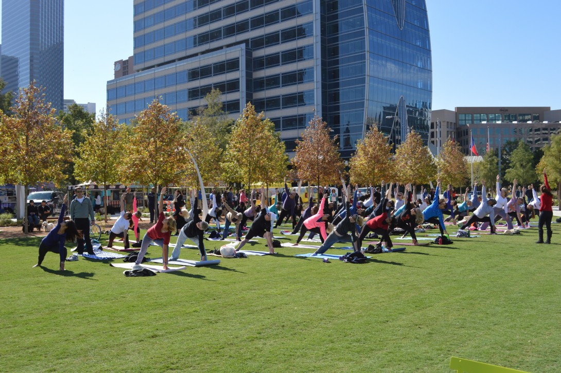 Yoga in Klyde Warren Park